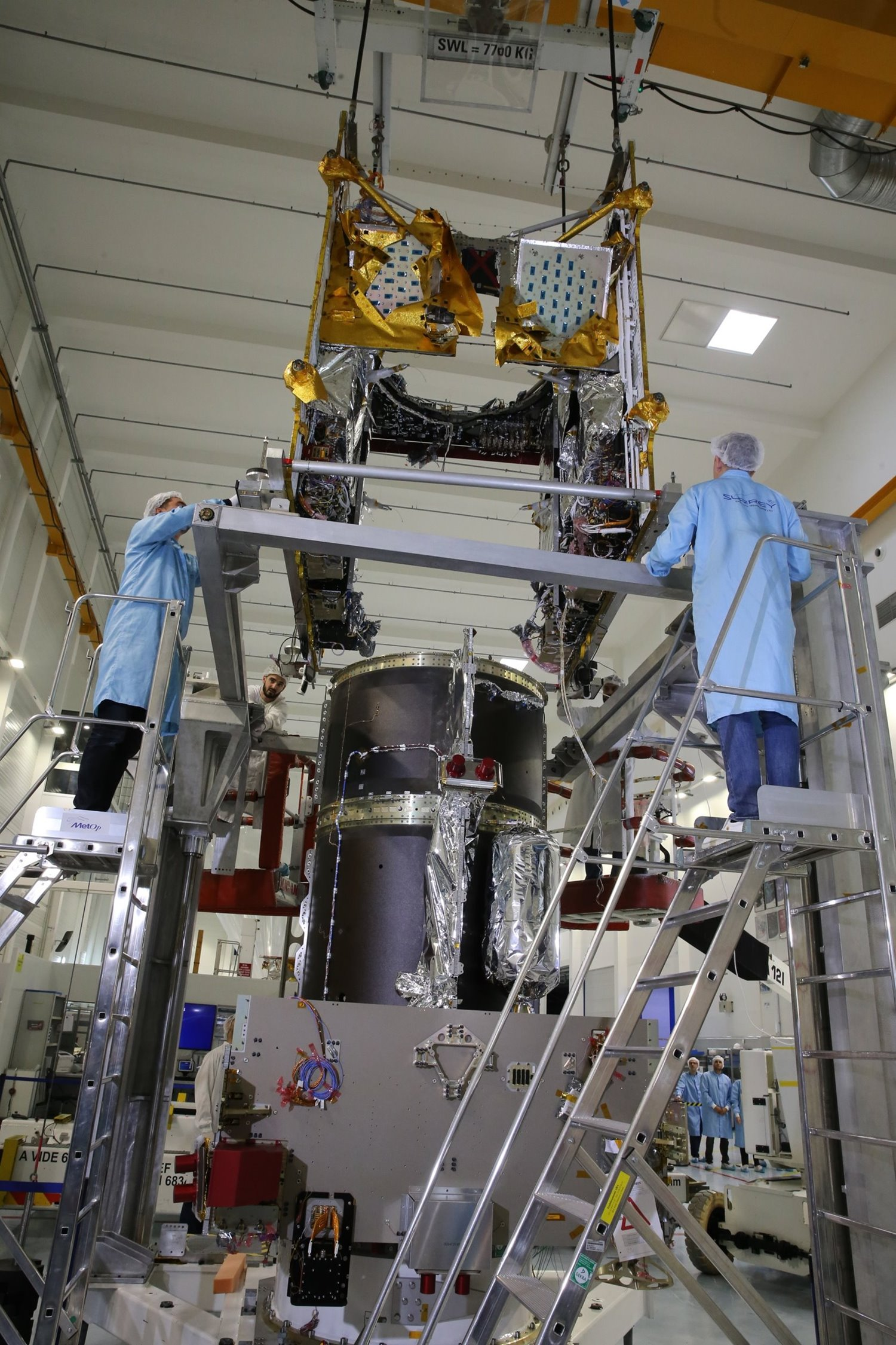 Payload + Platform mating completed for EUTELSAT QUANTUM